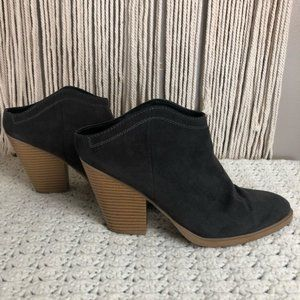 Dolce vita helms grey stacked heel bootie size 10